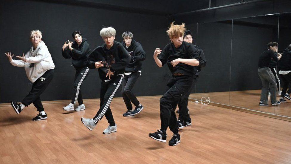 Covid:首爾禁止在健身房快速播放歌曲以防止出汗