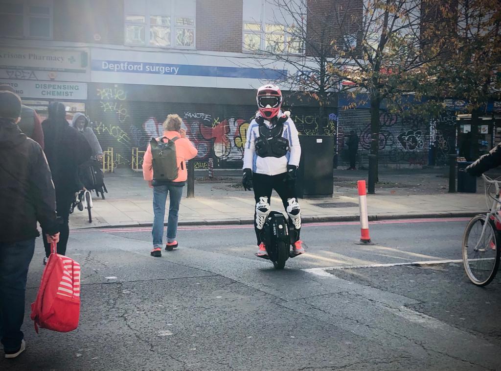 騎電動獨輪車安全嗎?