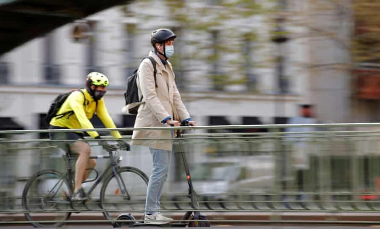 巴黎警方尋找兩名追撞行人後逃逸的滑板車騎手