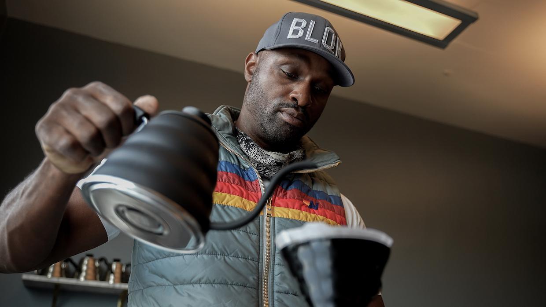 BLQK Coffee 將 25% 的利潤用於社會正義,在洛杉磯成立