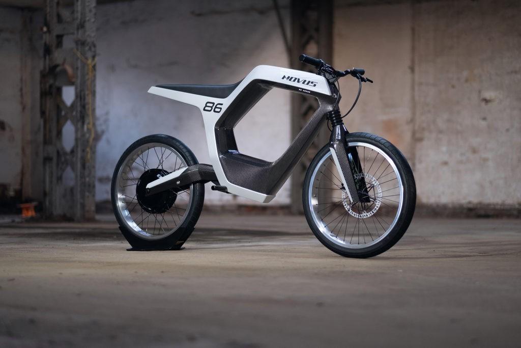 新型 NOVUS 電動摩托車