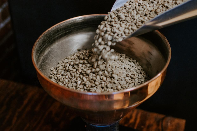 在弗林特,無根咖啡因獨特的藝術和在線銷售而萌芽