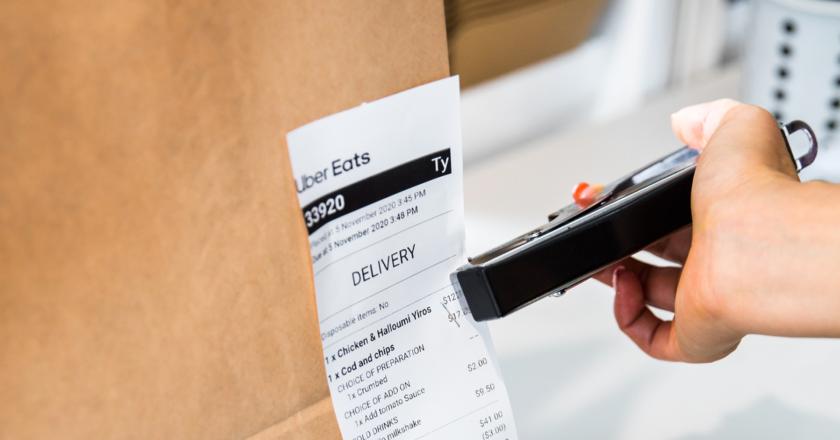 R&CA 與 Uber Eats 合作,幫助咖啡館從 COVID-19 中恢復過來